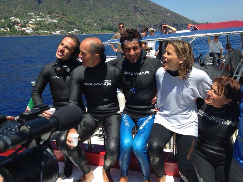 Davide Carrera achieves the world record apnea in Santa Marina Salina
