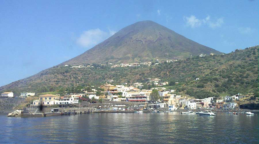 Excursions by sea Salina - Aeolian Islands